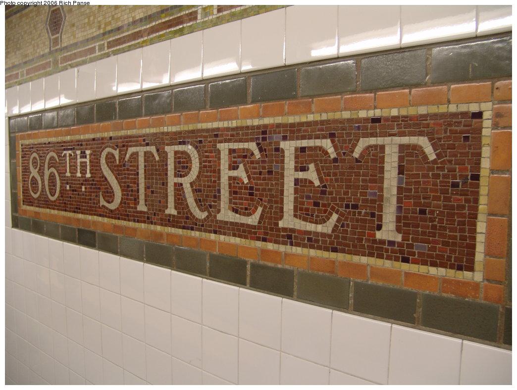 (168k, 1044x788)<br><b>Country:</b> United States<br><b>City:</b> New York<br><b>System:</b> New York City Transit<br><b>Line:</b> IRT East Side Line<br><b>Location:</b> 86th Street <br><b>Photo by:</b> Richard Panse<br><b>Date:</b> 5/1/2006<br><b>Viewed (this week/total):</b> 1 / 2038
