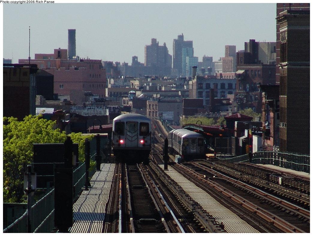 (207k, 1044x788)<br><b>Country:</b> United States<br><b>City:</b> New York<br><b>System:</b> New York City Transit<br><b>Line:</b> BMT Nassau Street/Jamaica Line<br><b>Location:</b> Myrtle Avenue <br><b>Photo by:</b> Richard Panse<br><b>Date:</b> 5/1/2006<br><b>Viewed (this week/total):</b> 0 / 4026