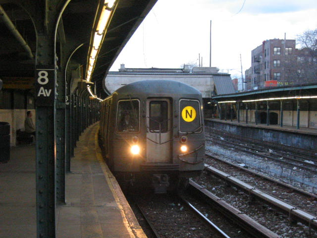 (60k, 640x480)<br><b>Country:</b> United States<br><b>City:</b> New York<br><b>System:</b> New York City Transit<br><b>Line:</b> BMT Sea Beach Line<br><b>Location:</b> 8th Avenue <br><b>Route:</b> N<br><b>Car:</b> R-68A (Kawasaki, 1988-1989)  5058 <br><b>Photo by:</b> Oren H.<br><b>Date:</b> 1/21/2006<br><b>Viewed (this week/total):</b> 0 / 3181
