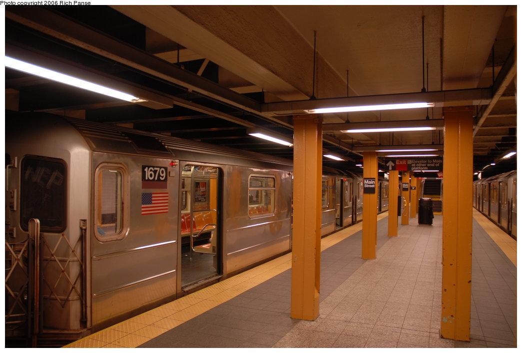 (163k, 1044x705)<br><b>Country:</b> United States<br><b>City:</b> New York<br><b>System:</b> New York City Transit<br><b>Line:</b> IRT Flushing Line<br><b>Location:</b> Main Street/Flushing <br><b>Route:</b> 7<br><b>Car:</b> R-62A (Bombardier, 1984-1987)  1679 <br><b>Photo by:</b> Richard Panse<br><b>Date:</b> 5/20/2006<br><b>Viewed (this week/total):</b> 4 / 4949
