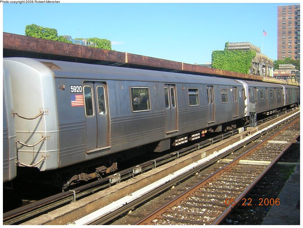 (239k, 1044x788)<br><b>Country:</b> United States<br><b>City:</b> New York<br><b>System:</b> New York City Transit<br><b>Line:</b> IND Crosstown Line<br><b>Location:</b> 4th Avenue <br><b>Route:</b> F<br><b>Car:</b> R-46 (Pullman-Standard, 1974-75) 5920 <br><b>Photo by:</b> Robert Mencher<br><b>Date:</b> 5/22/2006<br><b>Viewed (this week/total):</b> 0 / 2192