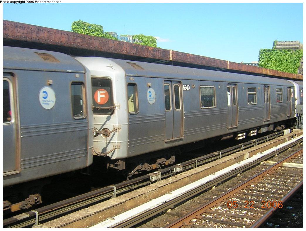 (225k, 1044x788)<br><b>Country:</b> United States<br><b>City:</b> New York<br><b>System:</b> New York City Transit<br><b>Line:</b> IND Crosstown Line<br><b>Location:</b> 4th Avenue <br><b>Route:</b> F<br><b>Car:</b> R-46 (Pullman-Standard, 1974-75) 5940 <br><b>Photo by:</b> Robert Mencher<br><b>Date:</b> 5/22/2006<br><b>Viewed (this week/total):</b> 0 / 2404