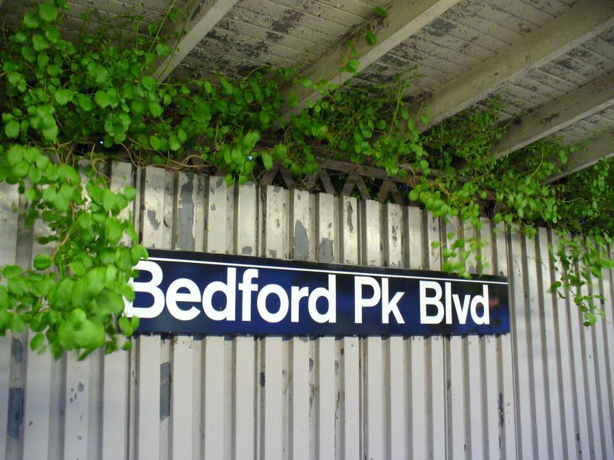 (128k, 896x672)<br><b>Country:</b> United States<br><b>City:</b> New York<br><b>System:</b> New York City Transit<br><b>Line:</b> IRT Woodlawn Line<br><b>Location:</b> Bedford Park Boulevard <br><b>Photo by:</b> Robbie Rosenfeld<br><b>Date:</b> 5/22/2006<br><b>Viewed (this week/total):</b> 1 / 2531