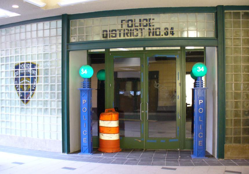 (96k, 860x604)<br><b>Country:</b> United States<br><b>City:</b> New York<br><b>System:</b> New York City Transit<br><b>Location:</b> Coney Island/Stillwell Avenue<br><b>Photo by:</b> Robbie Rosenfeld<br><b>Date:</b> 5/29/2006<br><b>Viewed (this week/total):</b> 5 / 2097