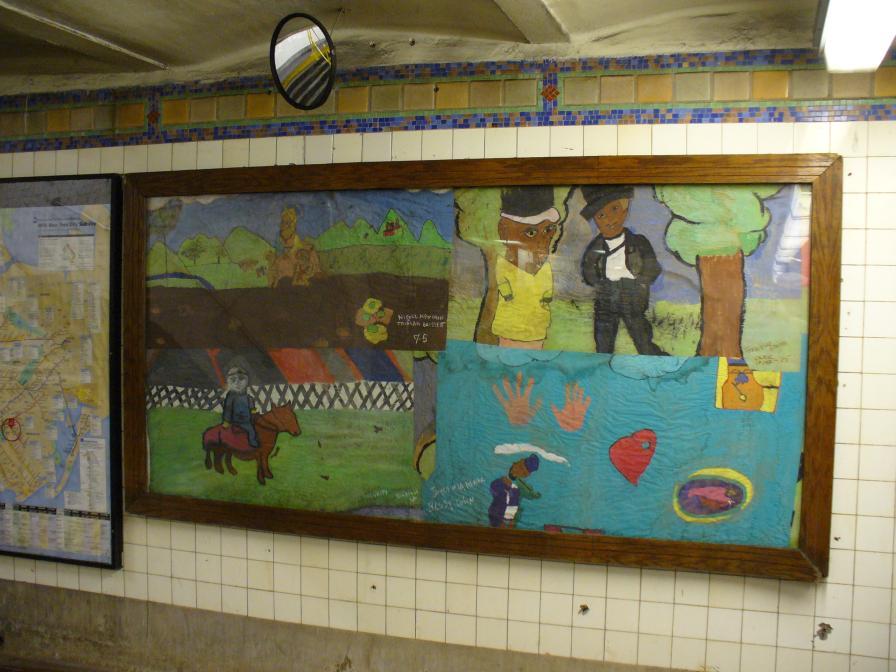 (108k, 896x672)<br><b>Country:</b> United States<br><b>City:</b> New York<br><b>System:</b> New York City Transit<br><b>Line:</b> IRT Brooklyn Line<br><b>Location:</b> Sterling Street <br><b>Photo by:</b> Robbie Rosenfeld<br><b>Date:</b> 5/16/2006<br><b>Artwork:</b> <i>Title unknown</i>, artist unknown.<br><b>Viewed (this week/total):</b> 3 / 2444