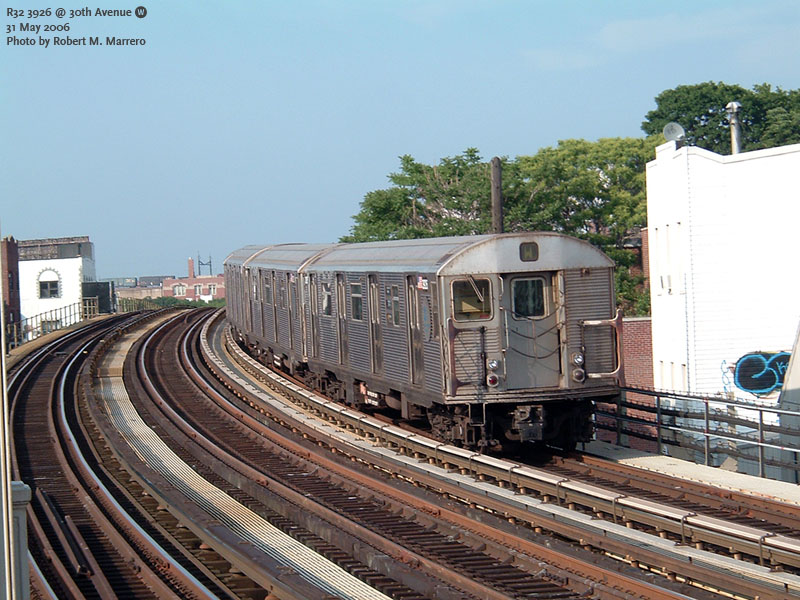 (174k, 800x600)<br><b>Country:</b> United States<br><b>City:</b> New York<br><b>System:</b> New York City Transit<br><b>Line:</b> BMT Astoria Line<br><b>Location:</b> 30th/Grand Aves. <br><b>Route:</b> W<br><b>Car:</b> R-32 (Budd, 1964)  3926 <br><b>Photo by:</b> Robert Marrero<br><b>Date:</b> 5/31/2006<br><b>Viewed (this week/total):</b> 2 / 3052