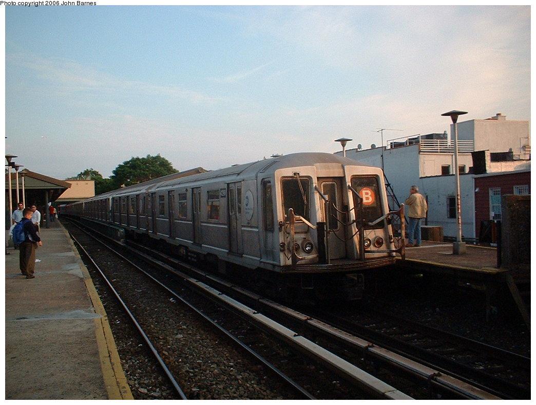 (171k, 1044x788)<br><b>Country:</b> United States<br><b>City:</b> New York<br><b>System:</b> New York City Transit<br><b>Line:</b> BMT Brighton Line<br><b>Location:</b> Kings Highway <br><b>Route:</b> B<br><b>Car:</b> R-40 (St. Louis, 1968)  4298 <br><b>Photo by:</b> John Barnes<br><b>Date:</b> 6/6/2006<br><b>Viewed (this week/total):</b> 0 / 2536