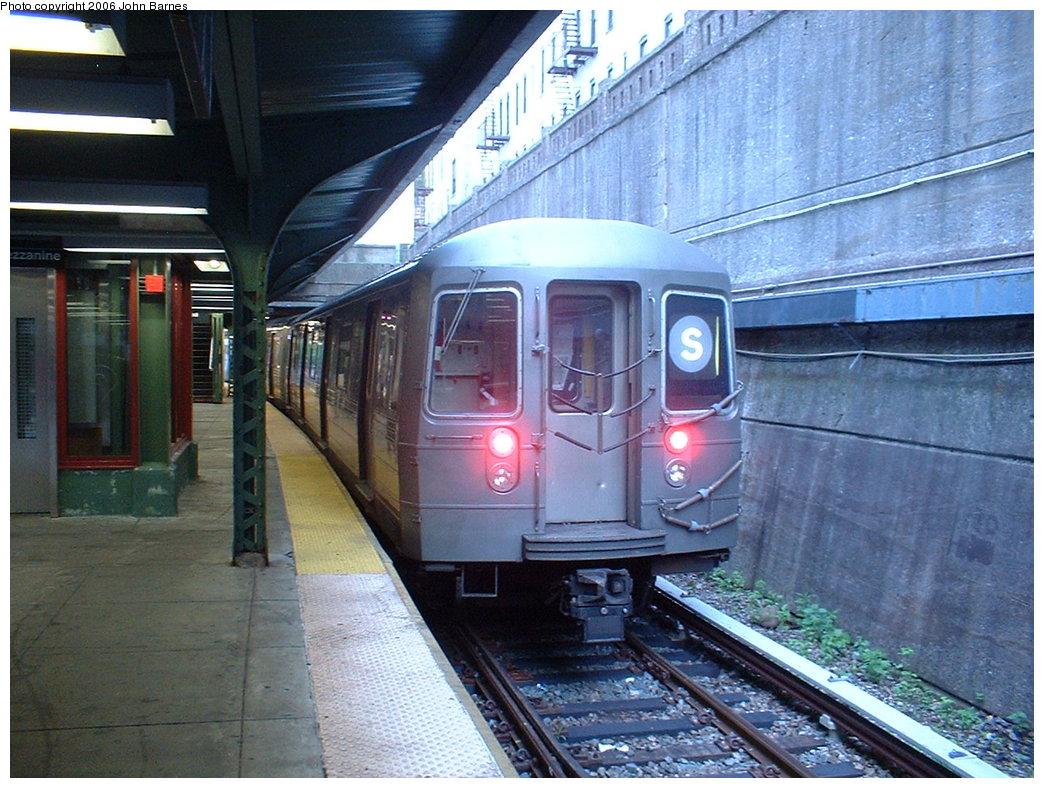 (216k, 1044x788)<br><b>Country:</b> United States<br><b>City:</b> New York<br><b>System:</b> New York City Transit<br><b>Line:</b> BMT Franklin<br><b>Location:</b> Prospect Park <br><b>Route:</b> Franklin Shuttle<br><b>Car:</b> R-68 (Westinghouse-Amrail, 1986-1988)  2921 <br><b>Photo by:</b> John Barnes<br><b>Date:</b> 6/6/2006<br><b>Viewed (this week/total):</b> 0 / 3765