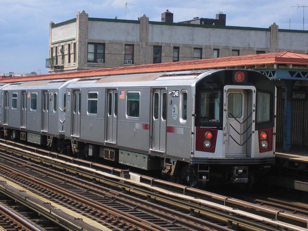 (150k, 1024x768)<br><b>Country:</b> United States<br><b>City:</b> New York<br><b>System:</b> New York City Transit<br><b>Line:</b> IRT Pelham Line<br><b>Location:</b> Elder Avenue <br><b>Route:</b> 6<br><b>Car:</b> R-142A (Primary Order, Kawasaki, 1999-2002)  7246 <br><b>Photo by:</b> Michael Hodurski<br><b>Date:</b> 5/21/2006<br><b>Viewed (this week/total):</b> 4 / 3284