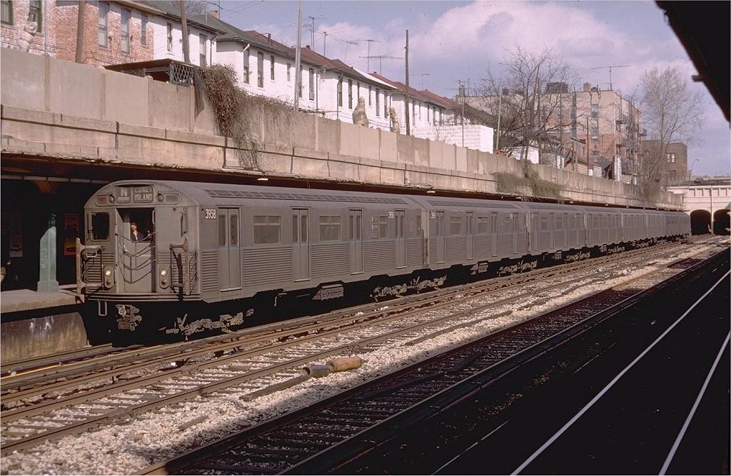 (238k, 1024x667)<br><b>Country:</b> United States<br><b>City:</b> New York<br><b>System:</b> New York City Transit<br><b>Line:</b> BMT Sea Beach Line<br><b>Location:</b> Bay Parkway (22nd Avenue) <br><b>Route:</b> N<br><b>Car:</b> R-38 (St. Louis, 1966-1967)  3958 <br><b>Photo by:</b> Doug Grotjahn<br><b>Collection of:</b> Joe Testagrose<br><b>Date:</b> 3/31/1969<br><b>Viewed (this week/total):</b> 4 / 4867