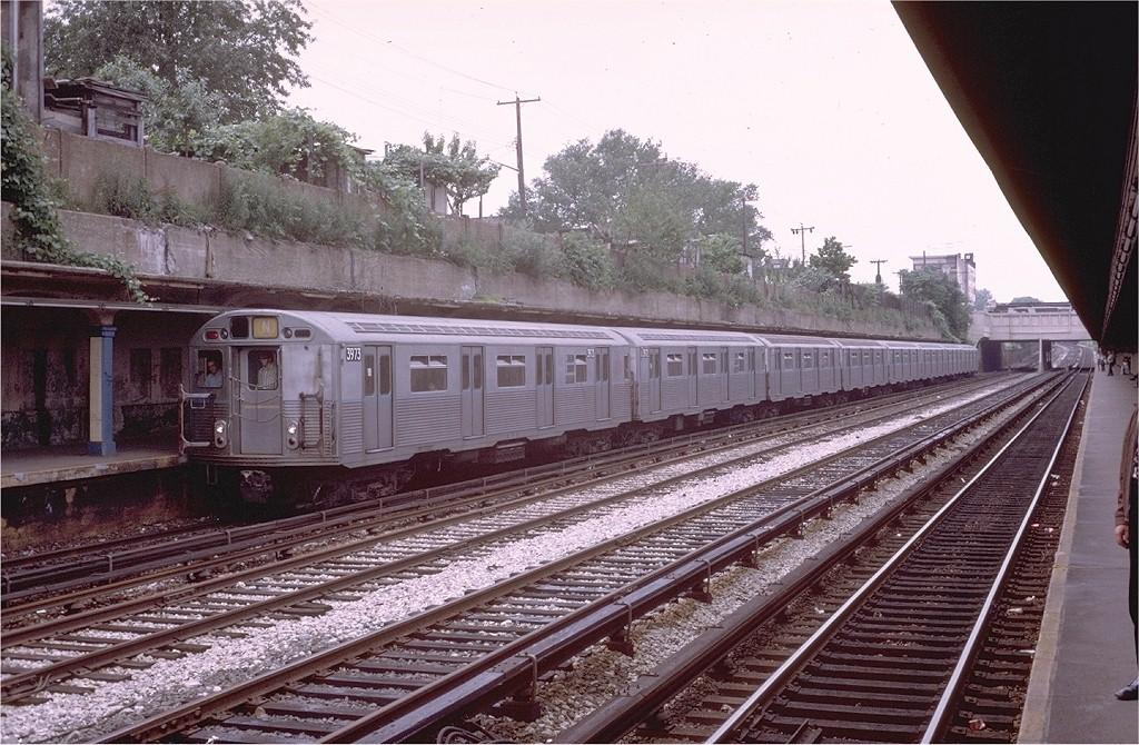 (248k, 1024x670)<br><b>Country:</b> United States<br><b>City:</b> New York<br><b>System:</b> New York City Transit<br><b>Line:</b> BMT Sea Beach Line<br><b>Location:</b> Fort Hamilton Parkway <br><b>Route:</b> N<br><b>Car:</b> R-38 (St. Louis, 1966-1967)  3973 <br><b>Photo by:</b> Steve Zabel<br><b>Collection of:</b> Joe Testagrose<br><b>Date:</b> 7/1/1972<br><b>Viewed (this week/total):</b> 0 / 4047