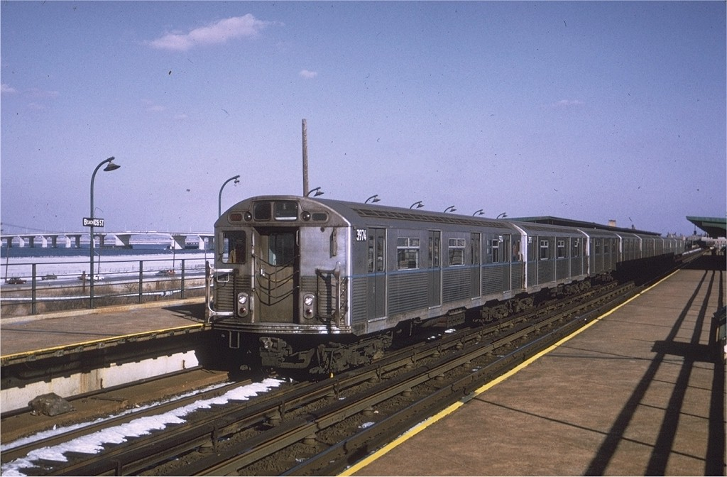 (178k, 1024x672)<br><b>Country:</b> United States<br><b>City:</b> New York<br><b>System:</b> New York City Transit<br><b>Line:</b> IND Rockaway<br><b>Location:</b> Beach 105th Street/Seaside <br><b>Route:</b> HH<br><b>Car:</b> R-38 (St. Louis, 1966-1967)  3974 <br><b>Photo by:</b> Joe Testagrose<br><b>Date:</b> 1/17/1971<br><b>Viewed (this week/total):</b> 4 / 4333