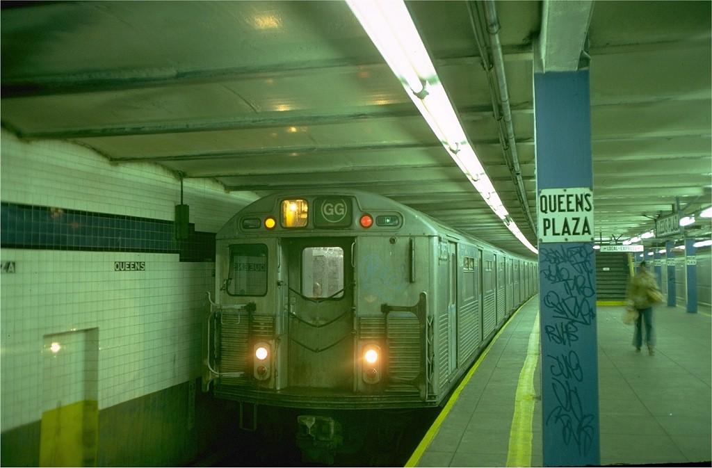 (156k, 1024x673)<br><b>Country:</b> United States<br><b>City:</b> New York<br><b>System:</b> New York City Transit<br><b>Line:</b> IND Queens Boulevard Line<br><b>Location:</b> Queens Plaza <br><b>Route:</b> GG<br><b>Car:</b> R-38 (St. Louis, 1966-1967)  3974 <br><b>Photo by:</b> Doug Grotjahn<br><b>Collection of:</b> Joe Testagrose<br><b>Date:</b> 10/20/1976<br><b>Viewed (this week/total):</b> 0 / 4902