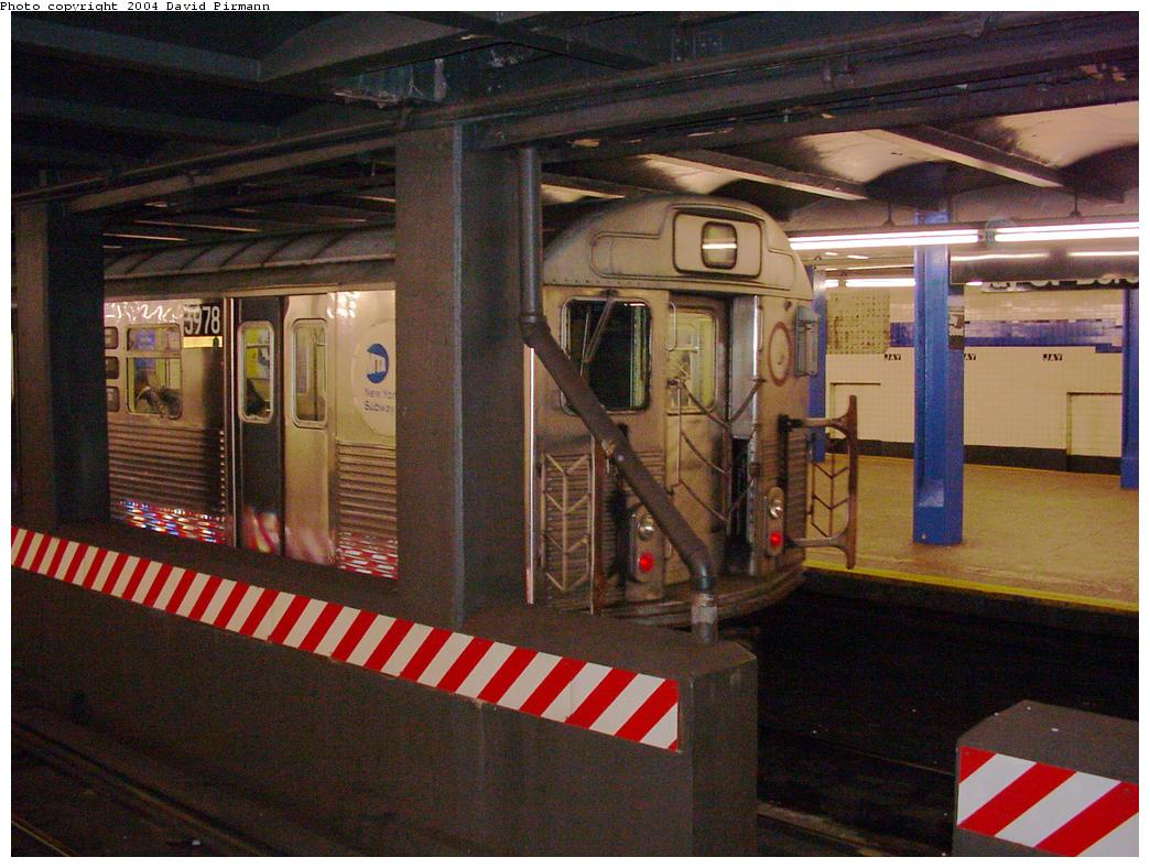 (136k, 1044x788)<br><b>Country:</b> United States<br><b>City:</b> New York<br><b>System:</b> New York City Transit<br><b>Line:</b> IND 8th Avenue Line<br><b>Location:</b> Jay St./Metrotech (Borough Hall) <br><b>Route:</b> A<br><b>Car:</b> R-38 (St. Louis, 1966-1967)  3978 <br><b>Photo by:</b> David Pirmann<br><b>Date:</b> 3/12/2000<br><b>Viewed (this week/total):</b> 2 / 5755