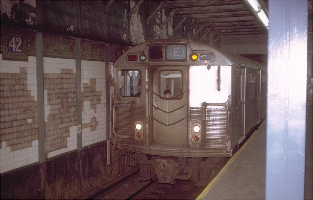 (174k, 1024x656)<br><b>Country:</b> United States<br><b>City:</b> New York<br><b>System:</b> New York City Transit<br><b>Line:</b> BMT Broadway Line<br><b>Location:</b> Times Square/42nd Street <br><b>Route:</b> F<br><b>Car:</b> R-38 (St. Louis, 1966-1967)  3979 <br><b>Photo by:</b> Steve Zabel<br><b>Collection of:</b> Joe Testagrose<br><b>Date:</b> 12/4/1971<br><b>Viewed (this week/total):</b> 2 / 6161