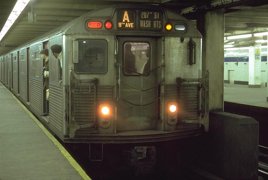(204k, 1024x688)<br><b>Country:</b> United States<br><b>City:</b> New York<br><b>System:</b> New York City Transit<br><b>Line:</b> IND 8th Avenue Line<br><b>Location:</b> Jay St./Metrotech (Borough Hall) <br><b>Route:</b> A<br><b>Car:</b> R-38 (St. Louis, 1966-1967)  3980 <br><b>Photo by:</b> Joe Testagrose<br><b>Date:</b> 6/27/1972<br><b>Viewed (this week/total):</b> 6 / 6608