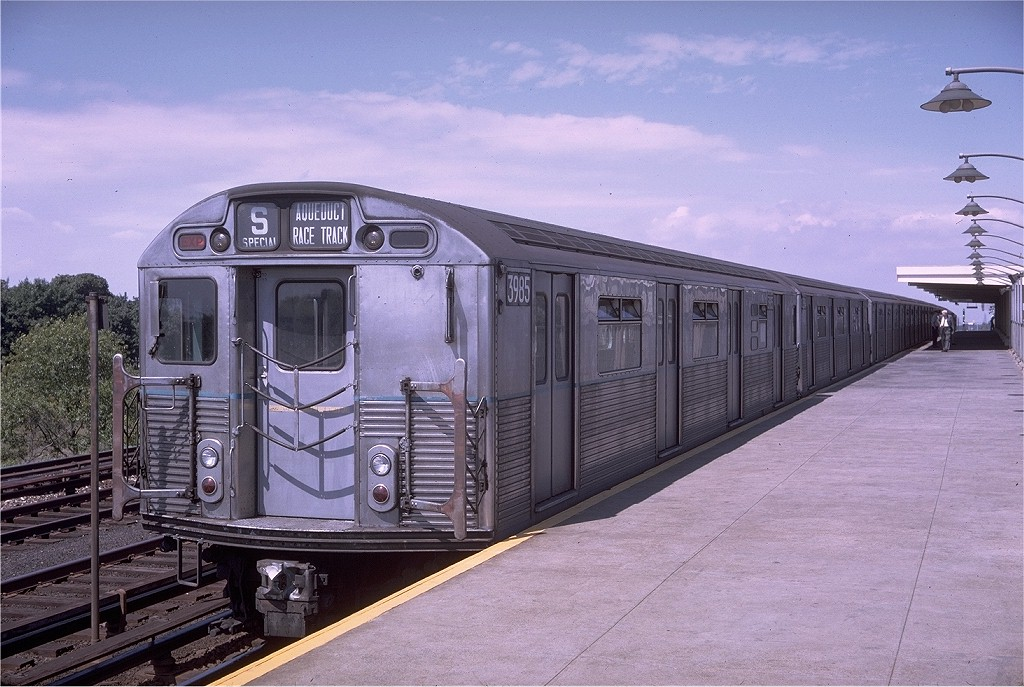 (206k, 1024x687)<br><b>Country:</b> United States<br><b>City:</b> New York<br><b>System:</b> New York City Transit<br><b>Line:</b> IND Rockaway<br><b>Location:</b> Aqueduct/North Conduit Avenue <br><b>Route:</b> S<br><b>Car:</b> R-38 (St. Louis, 1966-1967)  3985 <br><b>Photo by:</b> Doug Grotjahn<br><b>Collection of:</b> Joe Testagrose<br><b>Date:</b> 9/2/1968<br><b>Viewed (this week/total):</b> 2 / 4194
