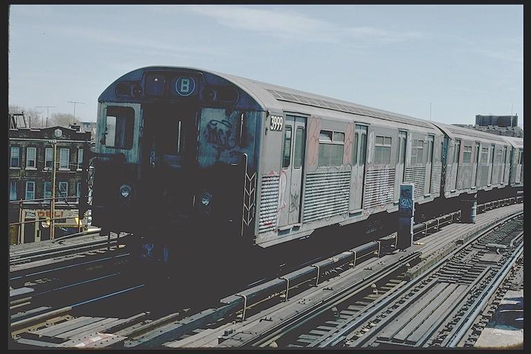 (122k, 768x512)<br><b>Country:</b> United States<br><b>City:</b> New York<br><b>System:</b> New York City Transit<br><b>Line:</b> BMT West End Line<br><b>Location:</b> 25th Avenue <br><b>Route:</b> B<br><b>Car:</b> R-38 (St. Louis, 1966-1967)  3999 <br><b>Photo by:</b> Joe Testagrose<br><b>Date:</b> 4/16/1977<br><b>Viewed (this week/total):</b> 1 / 4636