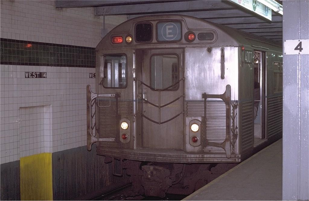 (185k, 1024x667)<br><b>Country:</b> United States<br><b>City:</b> New York<br><b>System:</b> New York City Transit<br><b>Line:</b> IND 8th Avenue Line<br><b>Location:</b> West 4th Street/Washington Square <br><b>Route:</b> E<br><b>Car:</b> R-38 (St. Louis, 1966-1967)  4007 <br><b>Photo by:</b> Joe Testagrose<br><b>Date:</b> 1/22/1971<br><b>Viewed (this week/total):</b> 1 / 4527