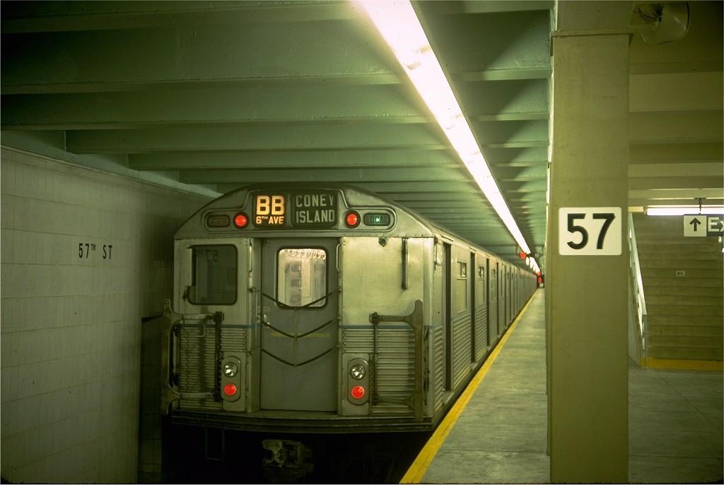 (146k, 1024x687)<br><b>Country:</b> United States<br><b>City:</b> New York<br><b>System:</b> New York City Transit<br><b>Line:</b> IND 6th Avenue Line<br><b>Location:</b> 57th Street <br><b>Route:</b> B<br><b>Car:</b> R-38 (St. Louis, 1966-1967)  4011 <br><b>Photo by:</b> Doug Grotjahn<br><b>Collection of:</b> Joe Testagrose<br><b>Date:</b> 9/26/1968<br><b>Viewed (this week/total):</b> 3 / 4805