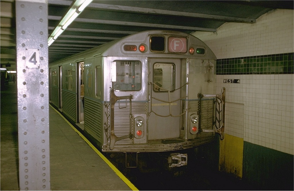 (179k, 1024x665)<br><b>Country:</b> United States<br><b>City:</b> New York<br><b>System:</b> New York City Transit<br><b>Line:</b> IND 6th Avenue Line<br><b>Location:</b> West 4th Street/Washington Square <br><b>Route:</b> F<br><b>Car:</b> R-38 (St. Louis, 1966-1967)  4043 <br><b>Photo by:</b> Doug Grotjahn<br><b>Collection of:</b> Joe Testagrose<br><b>Date:</b> 12/8/1972<br><b>Viewed (this week/total):</b> 0 / 4694