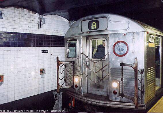 (57k, 566x394)<br><b>Country:</b> United States<br><b>City:</b> New York<br><b>System:</b> New York City Transit<br><b>Line:</b> IND 8th Avenue Line<br><b>Location:</b> Chambers Street/World Trade Center <br><b>Route:</b> A<br><b>Car:</b> R-38 (St. Louis, 1966-1967)  4072 <br><b>Photo by:</b> Wayne Whitehorne<br><b>Date:</b> 1998<br><b>Viewed (this week/total):</b> 1 / 4620