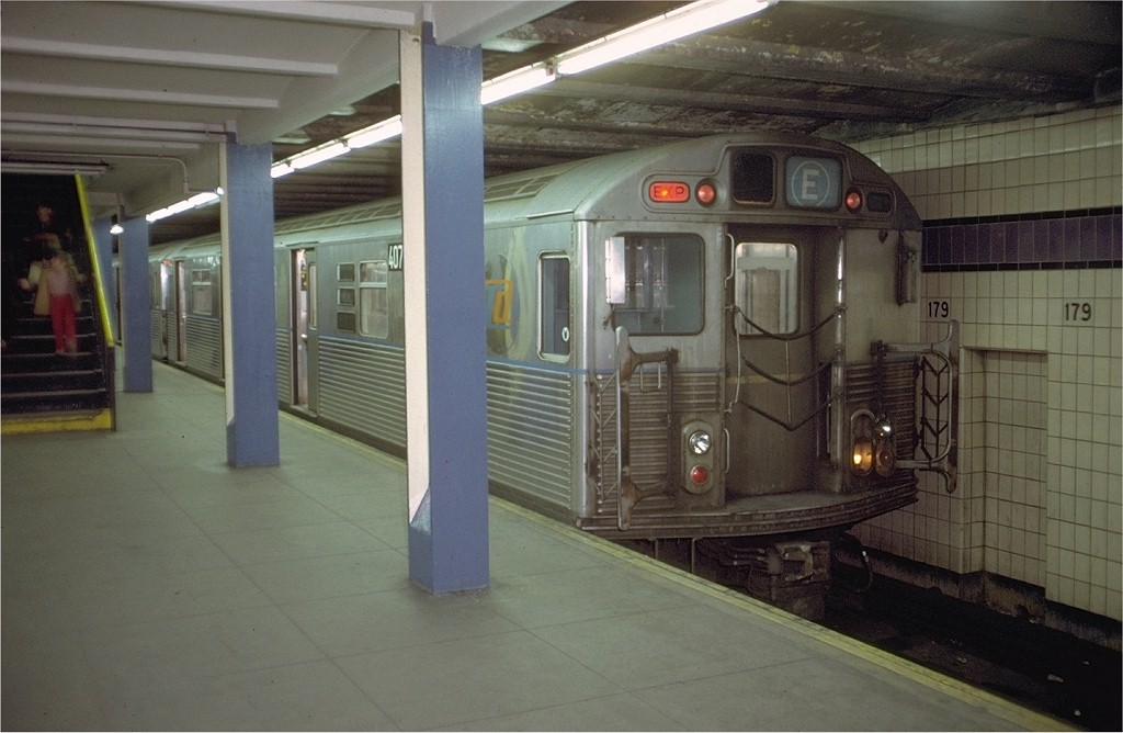 (159k, 1024x668)<br><b>Country:</b> United States<br><b>City:</b> New York<br><b>System:</b> New York City Transit<br><b>Line:</b> IND Queens Boulevard Line<br><b>Location:</b> 179th Street <br><b>Car:</b> R-38 (St. Louis, 1966-1967)  407x <br><b>Photo by:</b> Doug Grotjahn<br><b>Collection of:</b> Joe Testagrose<br><b>Date:</b> 12/4/1971<br><b>Viewed (this week/total):</b> 0 / 4548