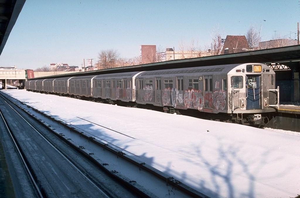 (188k, 1024x678)<br><b>Country:</b> United States<br><b>City:</b> New York<br><b>System:</b> New York City Transit<br><b>Line:</b> BMT Sea Beach Line<br><b>Location:</b> Fort Hamilton Parkway <br><b>Route:</b> N<br><b>Car:</b> R-38 (St. Louis, 1966-1967)  4091 <br><b>Photo by:</b> Doug Grotjahn<br><b>Collection of:</b> Joe Testagrose<br><b>Date:</b> 1/22/1978<br><b>Viewed (this week/total):</b> 2 / 6094