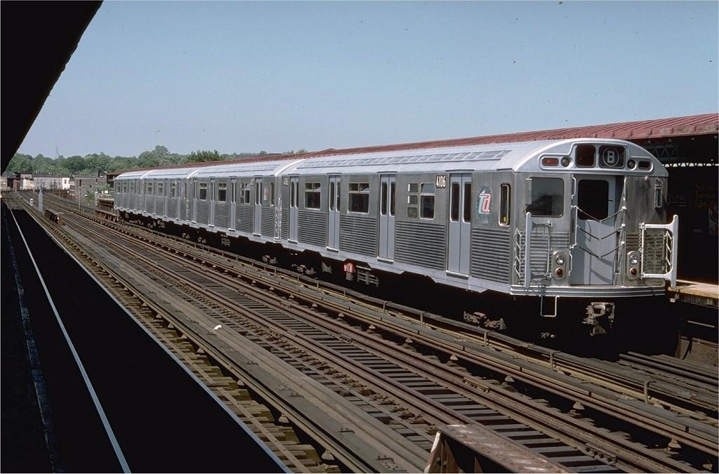 (195k, 1024x675)<br><b>Country:</b> United States<br><b>City:</b> New York<br><b>System:</b> New York City Transit<br><b>Line:</b> BMT West End Line<br><b>Location:</b> Fort Hamilton Parkway <br><b>Route:</b> B<br><b>Car:</b> R-38 (St. Louis, 1966-1967)  4106 <br><b>Photo by:</b> Doug Grotjahn<br><b>Collection of:</b> Joe Testagrose<br><b>Date:</b> 5/22/1977<br><b>Viewed (this week/total):</b> 0 / 5213