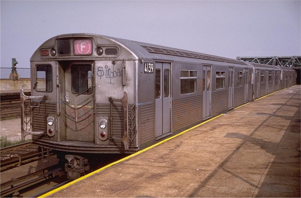 (233k, 1024x674)<br><b>Country:</b> United States<br><b>City:</b> New York<br><b>System:</b> New York City Transit<br><b>Line:</b> IND Crosstown Line<br><b>Location:</b> Smith/9th Street <br><b>Route:</b> F<br><b>Car:</b> R-38 (St. Louis, 1966-1967)  4139 <br><b>Photo by:</b> Doug Grotjahn<br><b>Collection of:</b> Joe Testagrose<br><b>Date:</b> 6/22/1974<br><b>Viewed (this week/total):</b> 2 / 4668