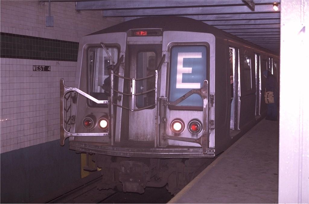 (144k, 1024x677)<br><b>Country:</b> United States<br><b>City:</b> New York<br><b>System:</b> New York City Transit<br><b>Line:</b> IND 8th Avenue Line<br><b>Location:</b> West 4th Street/Washington Square <br><b>Route:</b> E<br><b>Car:</b> R-40 (St. Louis, 1968)  4155 <br><b>Photo by:</b> Joe Testagrose<br><b>Date:</b> 4/24/1970<br><b>Viewed (this week/total):</b> 0 / 4779