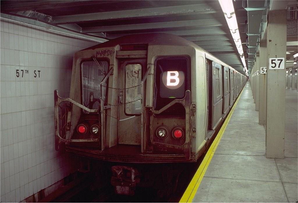 (190k, 1024x699)<br><b>Country:</b> United States<br><b>City:</b> New York<br><b>System:</b> New York City Transit<br><b>Line:</b> IND 6th Avenue Line<br><b>Location:</b> 57th Street <br><b>Route:</b> B<br><b>Car:</b> R-40 (St. Louis, 1968)  4164 <br><b>Photo by:</b> Doug Grotjahn<br><b>Collection of:</b> Joe Testagrose<br><b>Date:</b> 11/4/1980<br><b>Viewed (this week/total):</b> 0 / 7796