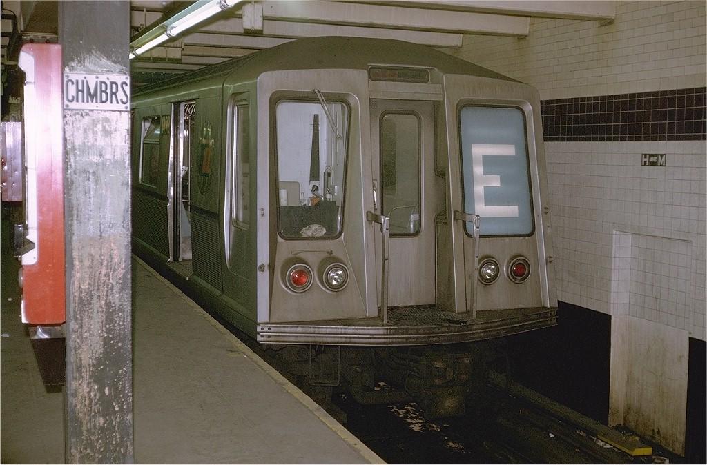 (214k, 1024x674)<br><b>Country:</b> United States<br><b>City:</b> New York<br><b>System:</b> New York City Transit<br><b>Line:</b> IND 8th Avenue Line<br><b>Location:</b> Chambers Street/World Trade Center <br><b>Route:</b> E<br><b>Car:</b> R-40 (St. Louis, 1968)  4192 <br><b>Photo by:</b> Doug Grotjahn<br><b>Collection of:</b> Joe Testagrose<br><b>Date:</b> 11/2/1969<br><b>Viewed (this week/total):</b> 0 / 5274