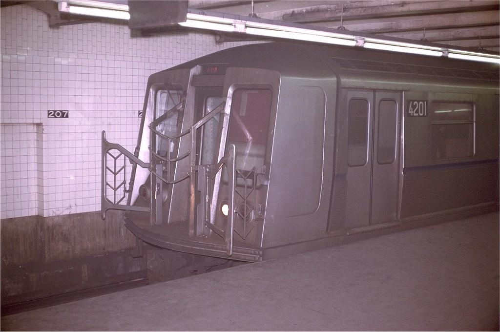 (178k, 1024x680)<br><b>Country:</b> United States<br><b>City:</b> New York<br><b>System:</b> New York City Transit<br><b>Line:</b> IND 8th Avenue Line<br><b>Location:</b> 207th Street <br><b>Route:</b> A<br><b>Car:</b> R-40 (St. Louis, 1968)  4201 <br><b>Photo by:</b> Doug Grotjahn<br><b>Collection of:</b> Joe Testagrose<br><b>Date:</b> 1/25/1970<br><b>Viewed (this week/total):</b> 0 / 5184