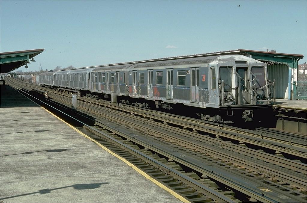(213k, 1024x678)<br><b>Country:</b> United States<br><b>City:</b> New York<br><b>System:</b> New York City Transit<br><b>Line:</b> BMT Culver Line<br><b>Location:</b> Bay Parkway (22nd Avenue) <br><b>Route:</b> F<br><b>Car:</b> R-40 (St. Louis, 1968)  4211 <br><b>Photo by:</b> Doug Grotjahn<br><b>Collection of:</b> Joe Testagrose<br><b>Date:</b> 4/9/1977<br><b>Viewed (this week/total):</b> 0 / 4152
