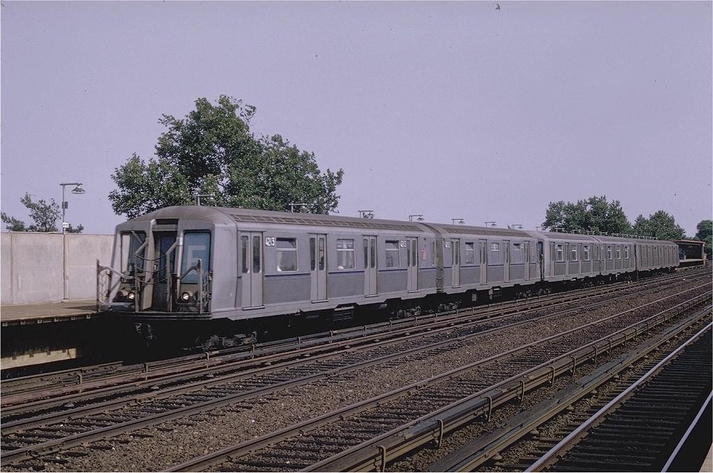 (241k, 1024x680)<br><b>Country:</b> United States<br><b>City:</b> New York<br><b>System:</b> New York City Transit<br><b>Line:</b> IND Rockaway<br><b>Location:</b> Aqueduct/North Conduit Avenue <br><b>Route:</b> E<br><b>Car:</b> R-40 (St. Louis, 1968)  4213 <br><b>Photo by:</b> Joe Testagrose<br><b>Date:</b> 6/29/1970<br><b>Viewed (this week/total):</b> 1 / 4088