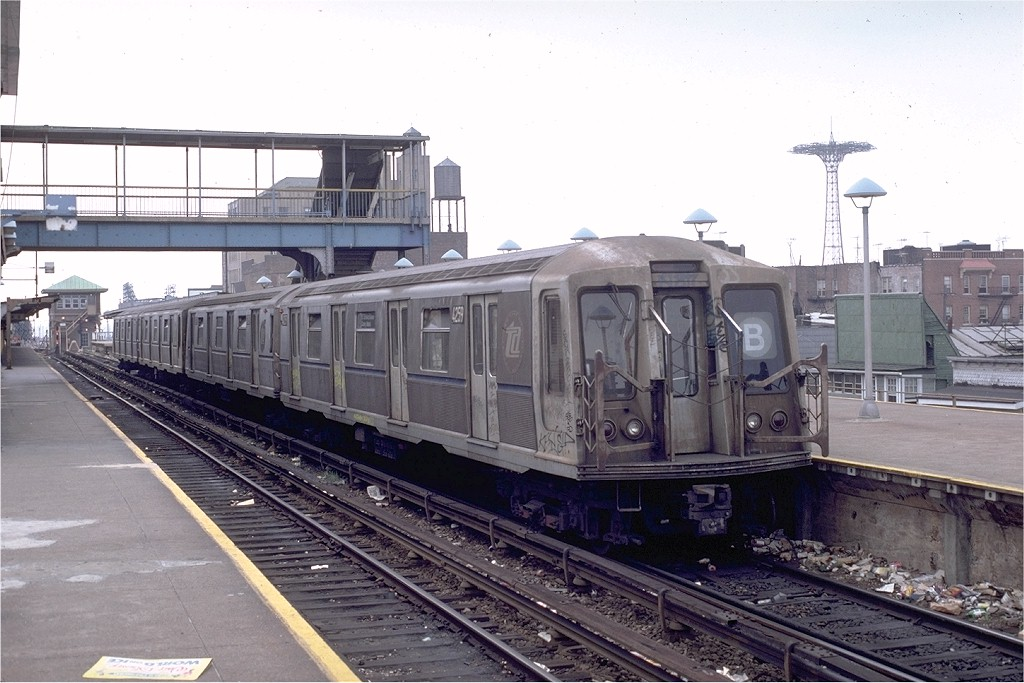 (187k, 1024x683)<br><b>Country:</b> United States<br><b>City:</b> New York<br><b>System:</b> New York City Transit<br><b>Location:</b> Coney Island/Stillwell Avenue<br><b>Route:</b> B<br><b>Car:</b> R-40 (St. Louis, 1968)  4259 (ex-4359)<br><b>Collection of:</b> Joe Testagrose<br><b>Date:</b> 8/2/1981<br><b>Viewed (this week/total):</b> 0 / 4610