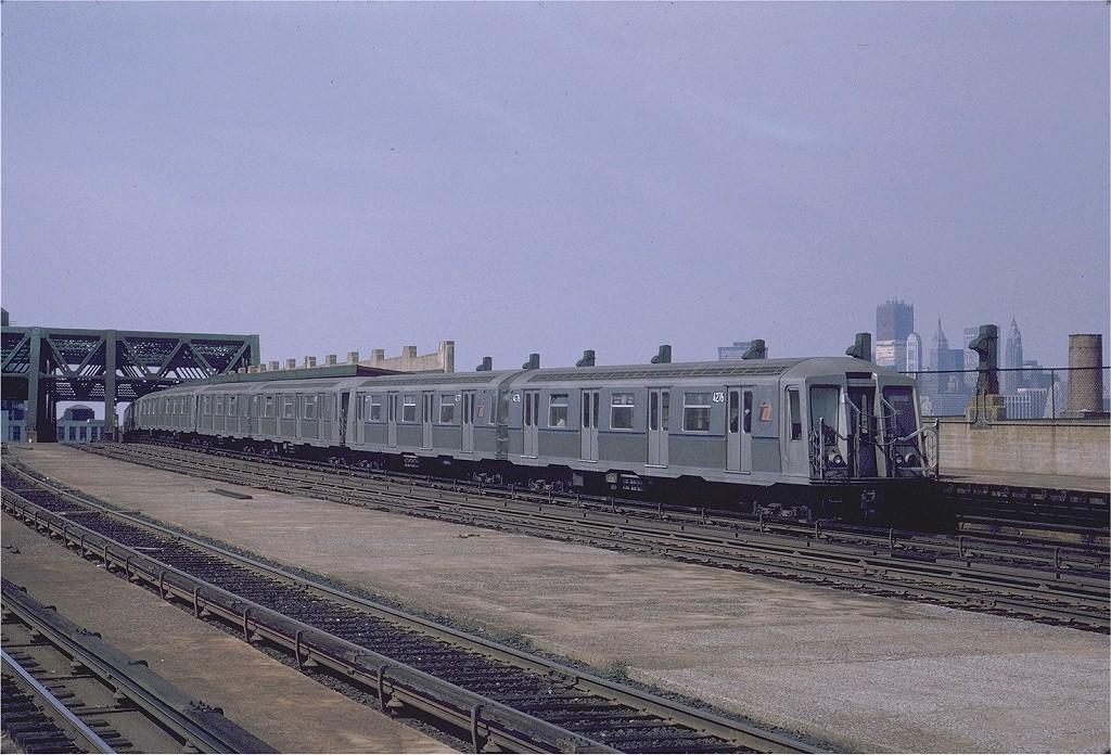(223k, 1024x696)<br><b>Country:</b> United States<br><b>City:</b> New York<br><b>System:</b> New York City Transit<br><b>Line:</b> IND Crosstown Line<br><b>Location:</b> Smith/9th Street <br><b>Route:</b> F<br><b>Car:</b> R-40 (St. Louis, 1968)  4276 (ex-4376)<br><b>Photo by:</b> Joe Testagrose<br><b>Date:</b> 9/13/1970<br><b>Viewed (this week/total):</b> 0 / 4287