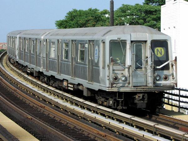 (90k, 600x450)<br><b>Country:</b> United States<br><b>City:</b> New York<br><b>System:</b> New York City Transit<br><b>Line:</b> BMT Astoria Line<br><b>Location:</b> 30th/Grand Aves. <br><b>Route:</b> N<br><b>Car:</b> R-40 (St. Louis, 1968)  4336 (ex-4436)<br><b>Photo by:</b> Trevor Logan<br><b>Date:</b> 7/23/2001<br><b>Viewed (this week/total):</b> 3 / 4345