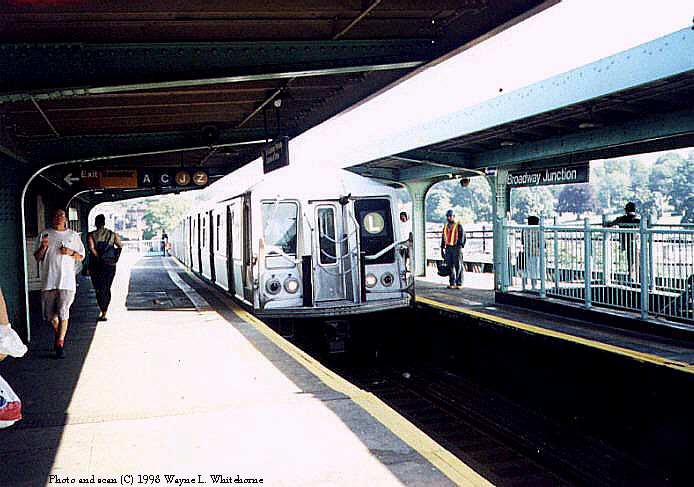 (81k, 694x487)<br><b>Country:</b> United States<br><b>City:</b> New York<br><b>System:</b> New York City Transit<br><b>Line:</b> BMT Canarsie Line<br><b>Location:</b> Broadway Junction <br><b>Route:</b> L<br><b>Car:</b> R-40 (St. Louis, 1968)  4419 (ex-4519)<br><b>Photo by:</b> Wayne Whitehorne<br><b>Date:</b> 1998<br><b>Viewed (this week/total):</b> 0 / 4820