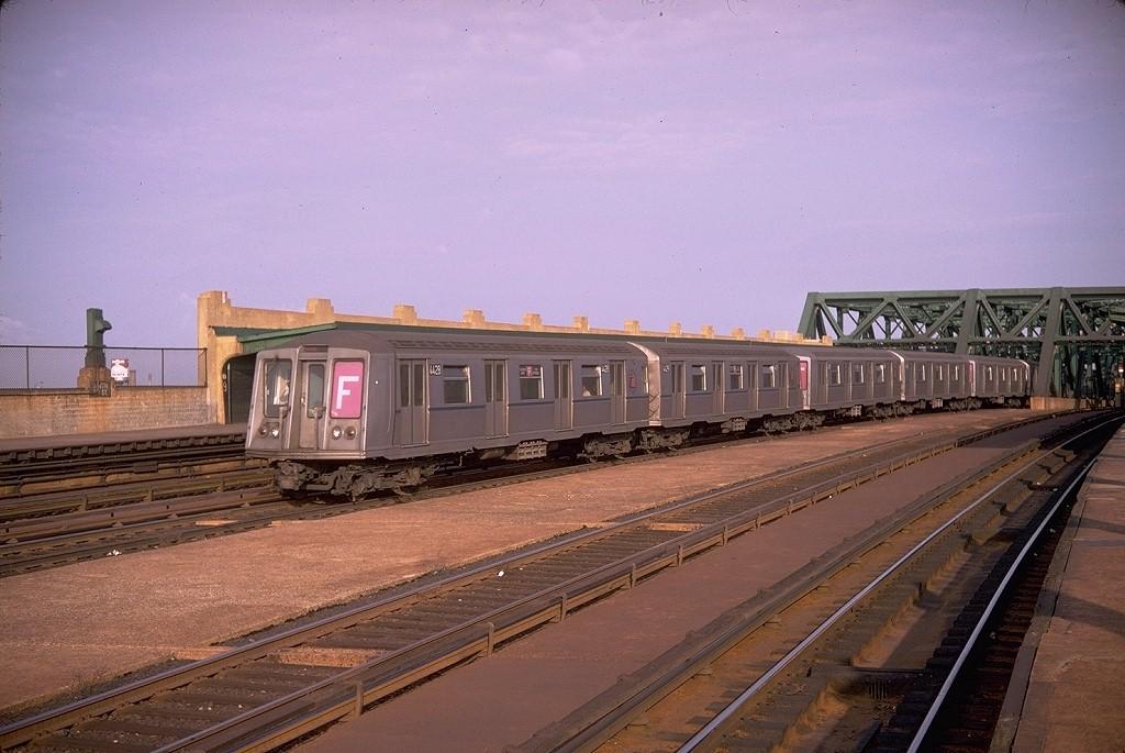 (189k, 1024x685)<br><b>Country:</b> United States<br><b>City:</b> New York<br><b>System:</b> New York City Transit<br><b>Line:</b> IND Crosstown Line<br><b>Location:</b> Smith/9th Street <br><b>Route:</b> F<br><b>Car:</b> R-40 (St. Louis, 1968)  4428 (ex-4528)<br><b>Photo by:</b> Doug Grotjahn<br><b>Collection of:</b> Joe Testagrose<br><b>Date:</b> 9/12/1968<br><b>Viewed (this week/total):</b> 0 / 4126