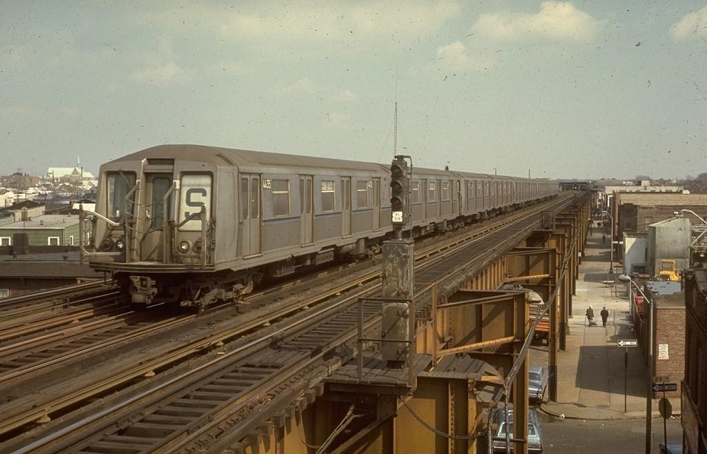(187k, 1024x658)<br><b>Country:</b> United States<br><b>City:</b> New York<br><b>System:</b> New York City Transit<br><b>Line:</b> IND Fulton Street Line<br><b>Location:</b> 88th Street/Boyd Avenue <br><b>Route:</b> S<br><b>Car:</b> R-40 (St. Louis, 1968)  4435 (ex-4535)<br><b>Photo by:</b> Joe Testagrose<br><b>Date:</b> 3/15/1970<br><b>Viewed (this week/total):</b> 1 / 4605
