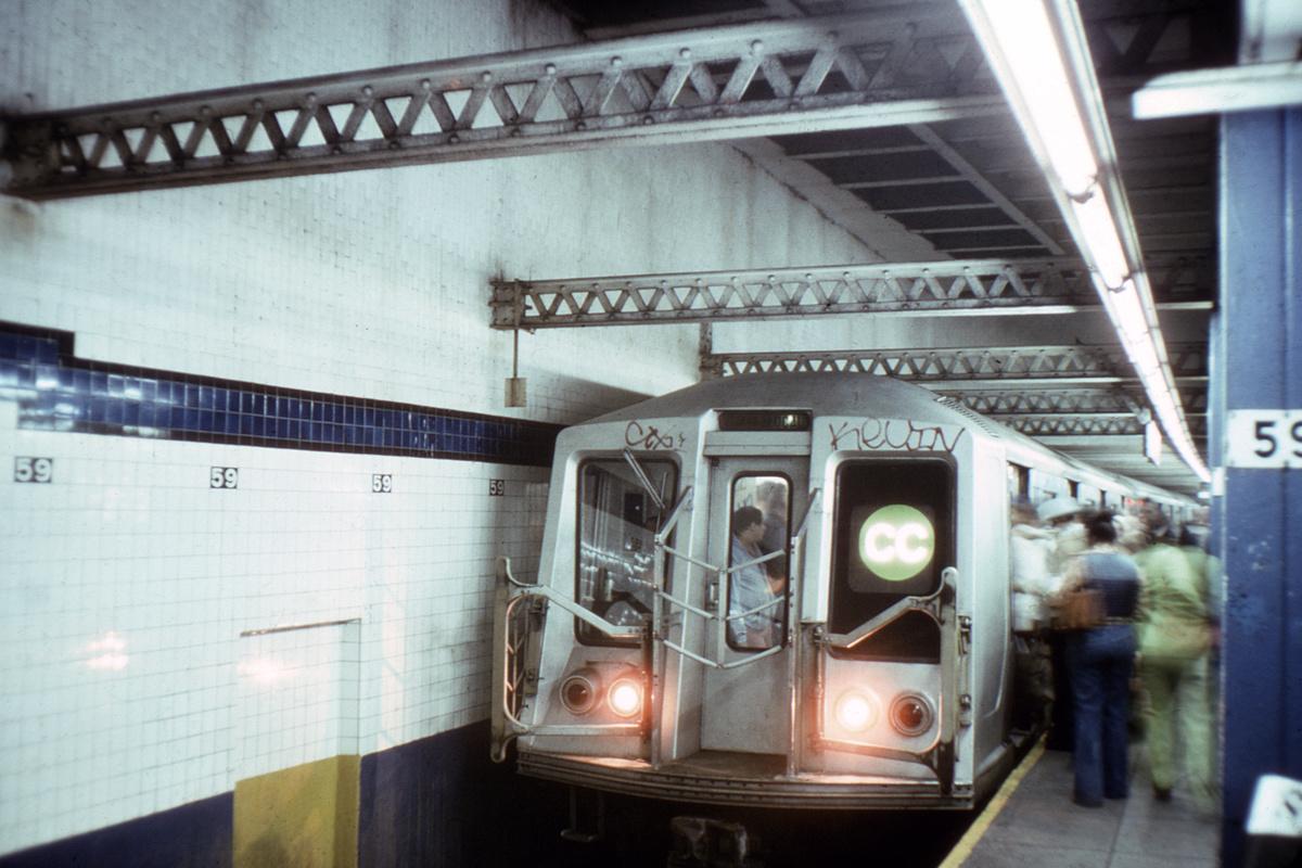 (324k, 1024x683)<br><b>Country:</b> United States<br><b>City:</b> New York<br><b>System:</b> New York City Transit<br><b>Line:</b> IND 8th Avenue Line<br><b>Location:</b> 59th Street/Columbus Circle <br><b>Route:</b> CC<br><b>Car:</b> R-40 (St. Louis, 1968)   <br><b>Collection of:</b> David Pirmann<br><b>Viewed (this week/total):</b> 4 / 7402