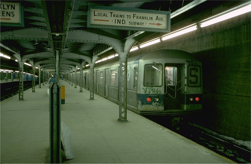 (169k, 1024x669)<br><b>Country:</b> United States<br><b>City:</b> New York<br><b>System:</b> New York City Transit<br><b>Line:</b> BMT Franklin<br><b>Location:</b> Prospect Park <br><b>Route:</b> Franklin Shuttle<br><b>Car:</b> R-40M (St. Louis, 1969)  4513 (ex-4313)<br><b>Photo by:</b> Doug Grotjahn<br><b>Collection of:</b> Joe Testagrose<br><b>Date:</b> 1/27/1977<br><b>Viewed (this week/total):</b> 3 / 5686