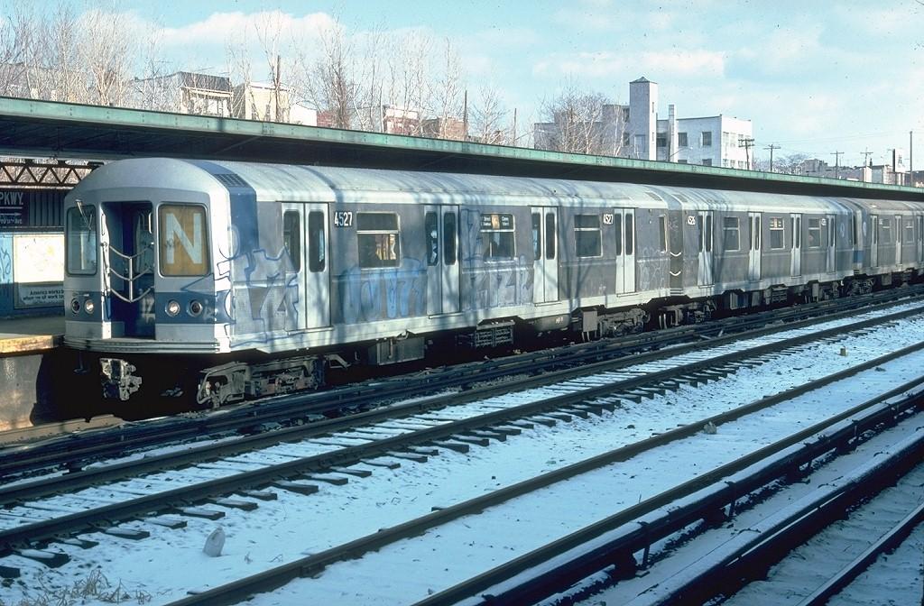 (239k, 1024x672)<br><b>Country:</b> United States<br><b>City:</b> New York<br><b>System:</b> New York City Transit<br><b>Line:</b> BMT Sea Beach Line<br><b>Location:</b> Fort Hamilton Parkway <br><b>Route:</b> N<br><b>Car:</b> R-40M (St. Louis, 1969)  4527 (ex-4327)<br><b>Photo by:</b> Doug Grotjahn<br><b>Collection of:</b> Joe Testagrose<br><b>Date:</b> 2/1977<br><b>Viewed (this week/total):</b> 1 / 4400