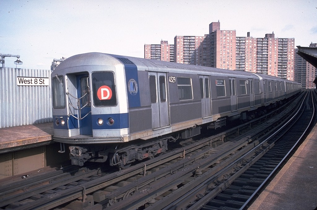 (226k, 1024x678)<br><b>Country:</b> United States<br><b>City:</b> New York<br><b>System:</b> New York City Transit<br><b>Line:</b> BMT Brighton Line<br><b>Location:</b> West 8th Street <br><b>Route:</b> D<br><b>Car:</b> R-40M (St. Louis, 1969)  4529 (ex-4329)<br><b>Photo by:</b> Doug Grotjahn<br><b>Collection of:</b> Joe Testagrose<br><b>Date:</b> 1/29/1978<br><b>Viewed (this week/total):</b> 1 / 6148