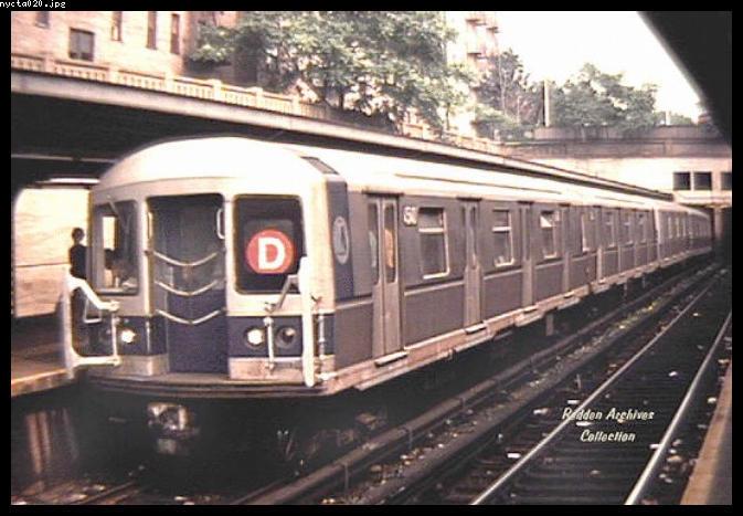 (64k, 673x467)<br><b>Country:</b> United States<br><b>City:</b> New York<br><b>System:</b> New York City Transit<br><b>Line:</b> BMT Brighton Line<br><b>Location:</b> Prospect Park <br><b>Route:</b> D<br><b>Car:</b> R-40M (St. Louis, 1969)   <br><b>Collection of:</b> Bob Redden<br><b>Viewed (this week/total):</b> 3 / 5349