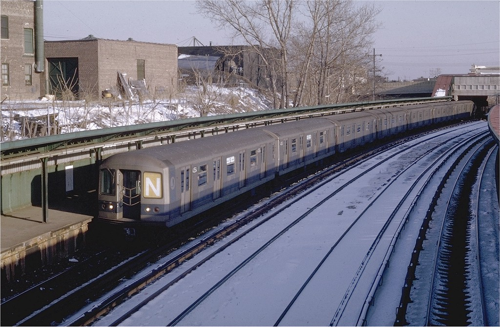 (240k, 1024x671)<br><b>Country:</b> United States<br><b>City:</b> New York<br><b>System:</b> New York City Transit<br><b>Line:</b> BMT Sea Beach Line<br><b>Location:</b> 8th Avenue <br><b>Route:</b> N<br><b>Car:</b> R-42 (St. Louis, 1969-1970)  4554 <br><b>Photo by:</b> Joe Testagrose<br><b>Date:</b> 1/24/1970<br><b>Viewed (this week/total):</b> 0 / 4312