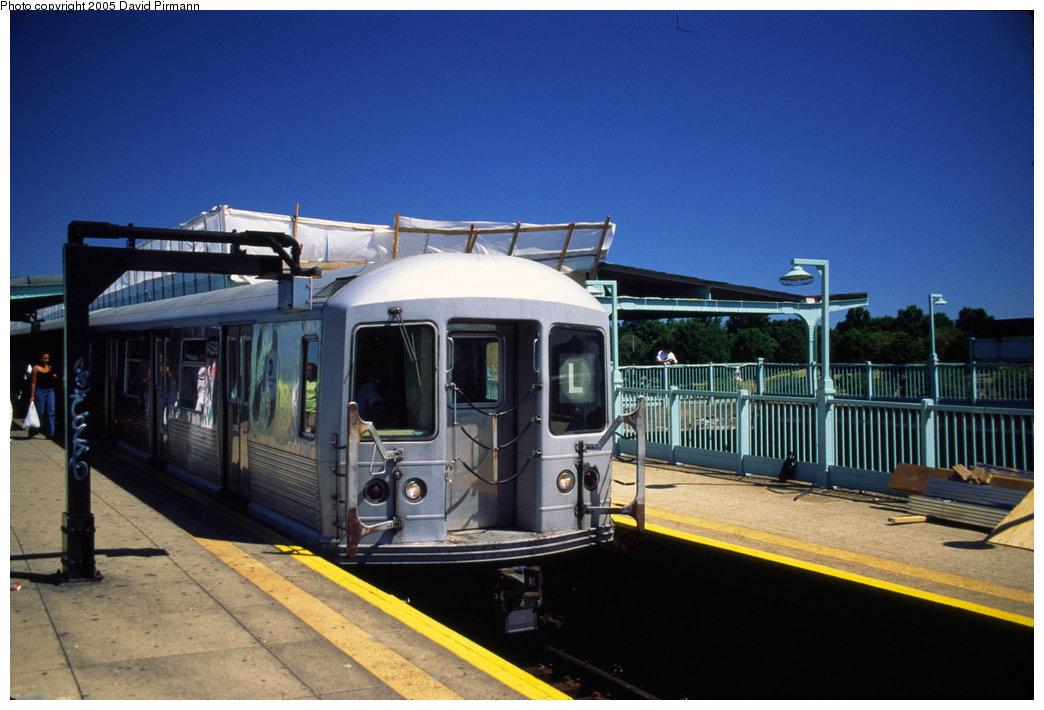 (172k, 1044x710)<br><b>Country:</b> United States<br><b>City:</b> New York<br><b>System:</b> New York City Transit<br><b>Line:</b> BMT Canarsie Line<br><b>Location:</b> Broadway Junction <br><b>Route:</b> L<br><b>Car:</b> R-42 (St. Louis, 1969-1970)  4598 <br><b>Photo by:</b> David Pirmann<br><b>Date:</b> 8/1/1998<br><b>Viewed (this week/total):</b> 1 / 7950