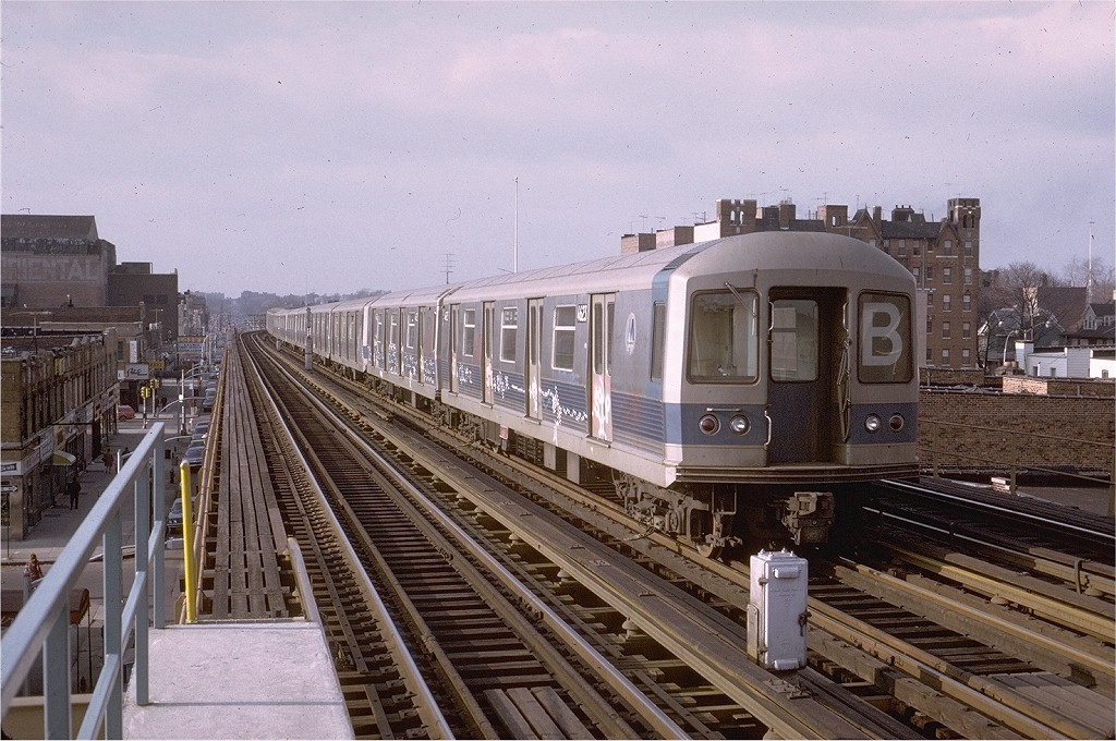 (232k, 1024x680)<br><b>Country:</b> United States<br><b>City:</b> New York<br><b>System:</b> New York City Transit<br><b>Line:</b> BMT West End Line<br><b>Location:</b> 20th Avenue <br><b>Route:</b> B<br><b>Car:</b> R-42 (St. Louis, 1969-1970)  4623 <br><b>Photo by:</b> Steve Zabel<br><b>Collection of:</b> Joe Testagrose<br><b>Date:</b> 2/4/1973<br><b>Viewed (this week/total):</b> 0 / 4913